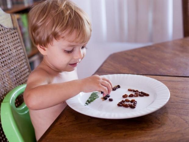 Ребенку 2 года можно давать изюм детям
