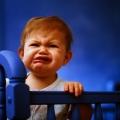 Ребенок в 2 года часто просыпается ночью и плачет