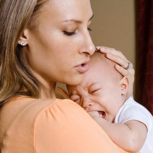 Гноится пупок у новорожденного: что делать